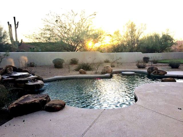 🌟N Scottsdale |5BR w/Casita, Putting Green & Spa!