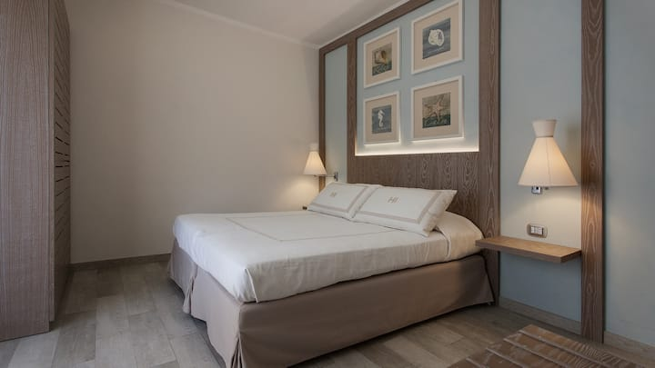 BOUTIQUE HOTEL ILIO • Forfour room_with balconies