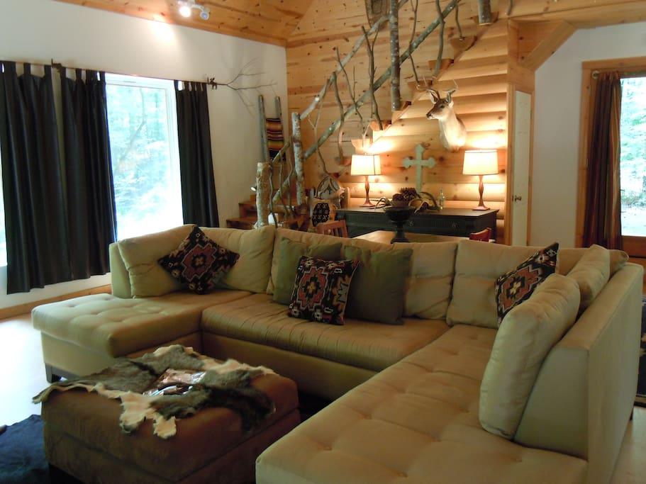 Beautiful Large opened Living Room