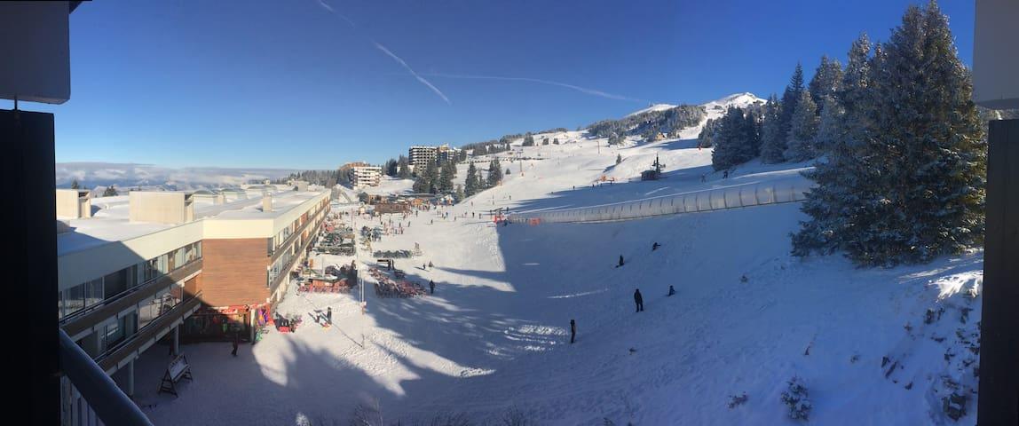 "Chamrousse 1750 Ski Studio ""Au Pied des Pistes"""