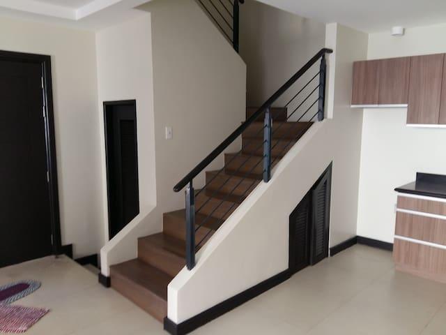 Your Second Home - Parañaque - Rumah