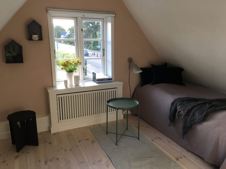 Charming room in farmer cottage - near Copenhagen