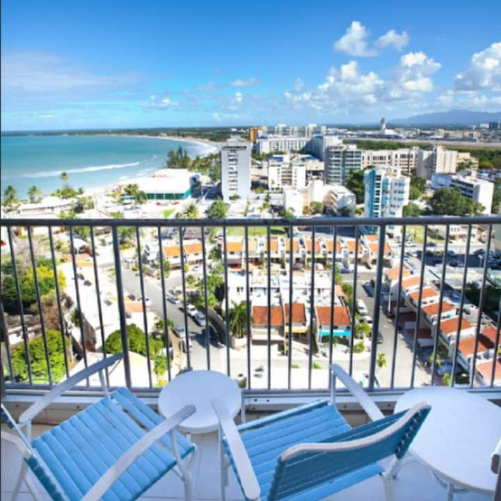Aug 2-17 ONLY Beach Front 4 person 2 bed suite
