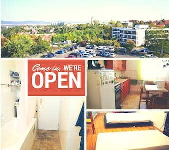 Apt in the city centre with view + free WIFI - Veszprém - Condominium