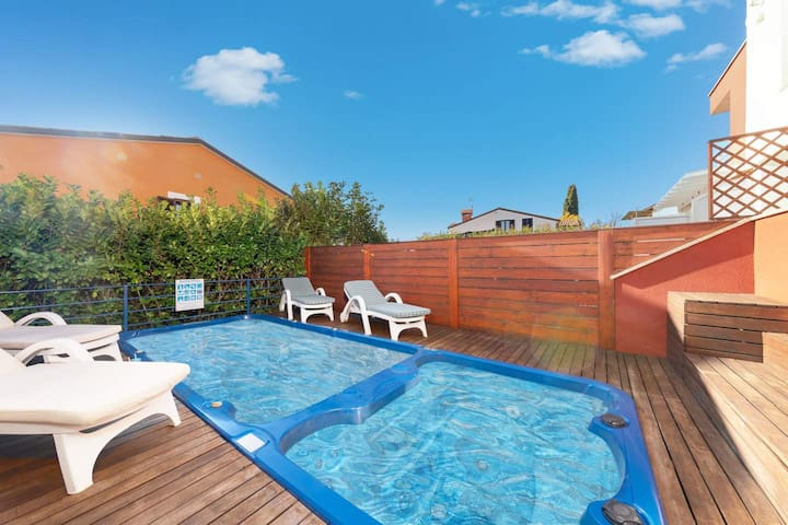 Villa Blue Valica with pool and whirlpool