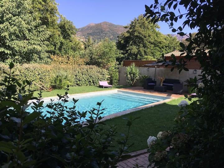 Bel appart climatisé piscine chauffée dans villa