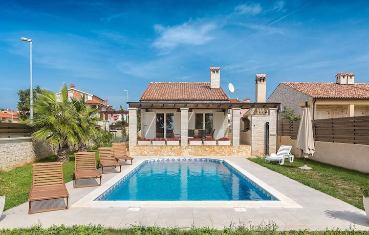 Villa Mila with private pool and sea view