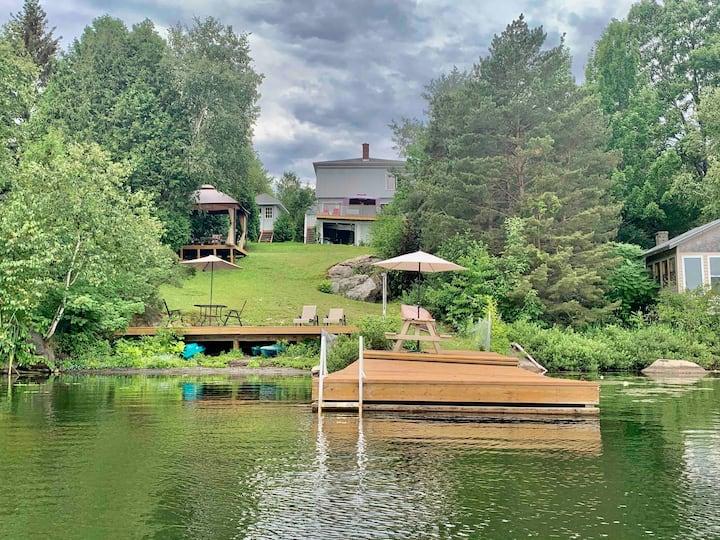 ★ Family Room - Lake Front w/ sauna & kayak ★