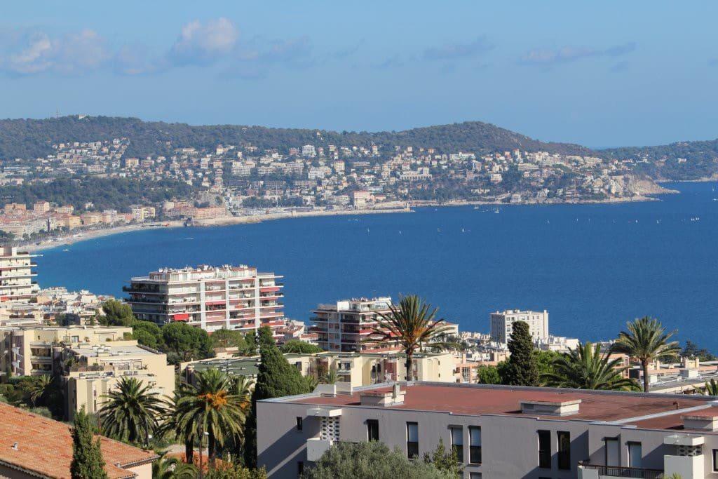 Blick vom Balkon auf Nizza