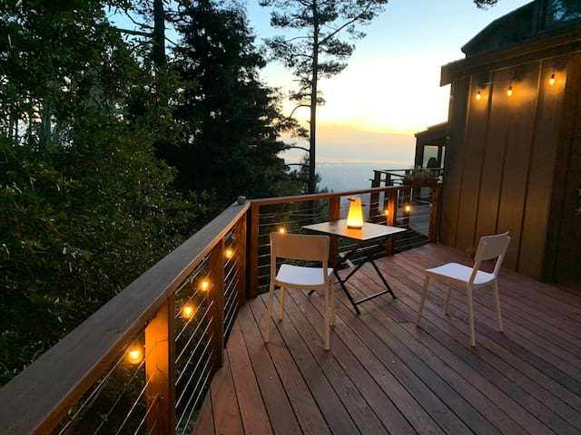 Grizzly Peak Retreat, world class views & privacy
