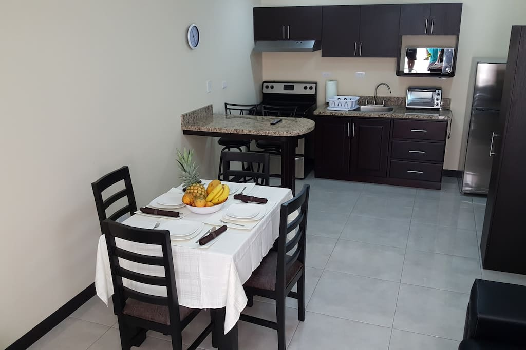 New And Cheerful Apartment 2 Bedrooms 1 5 Bath