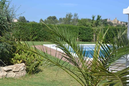 two nice flats with pool, bbq, 6 km to the beach - El Catllar - Huoneisto