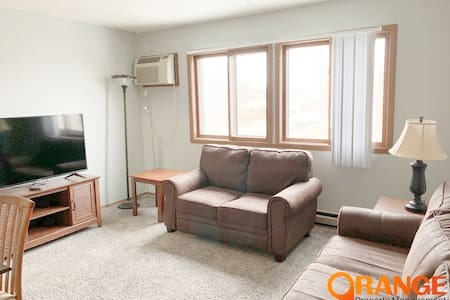 2 bed, 1 bath cozy short term Apt! Williston, ND