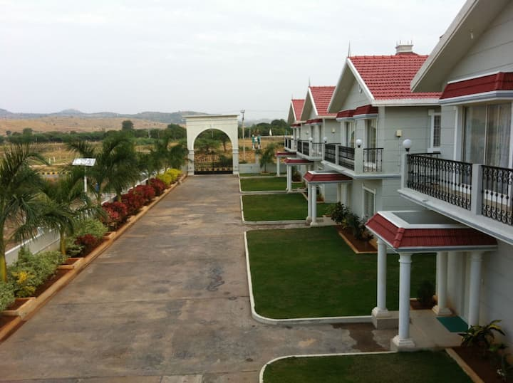 Satyam Resorts-5 mins drive from Prashanti Nilayam