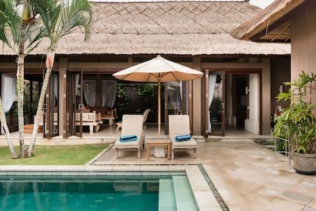 2020 Super Special Canggu Private Pool Villa