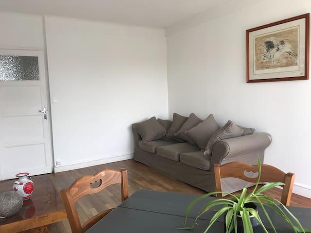 Appartement ensoleillé à louer