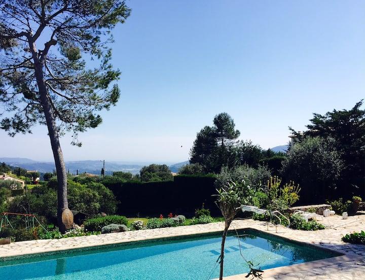 Superbe maison piscine  vue mer près de Cannes