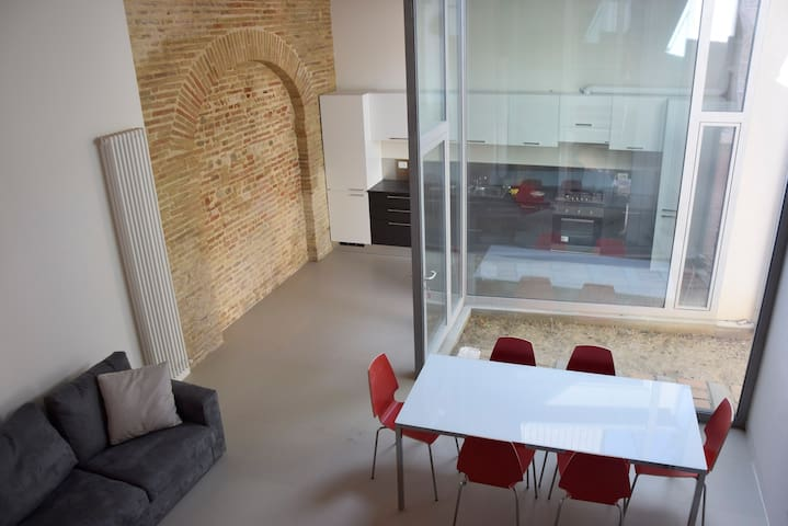 Amazing new Loft in the city center - Senigallia - Loft-asunto