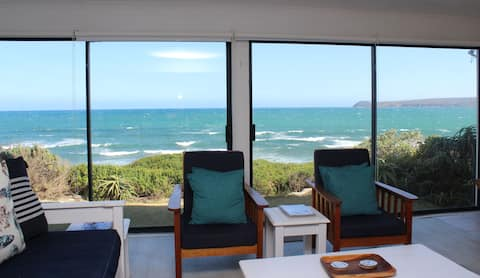 Baby Whale Bliss - beachfront house