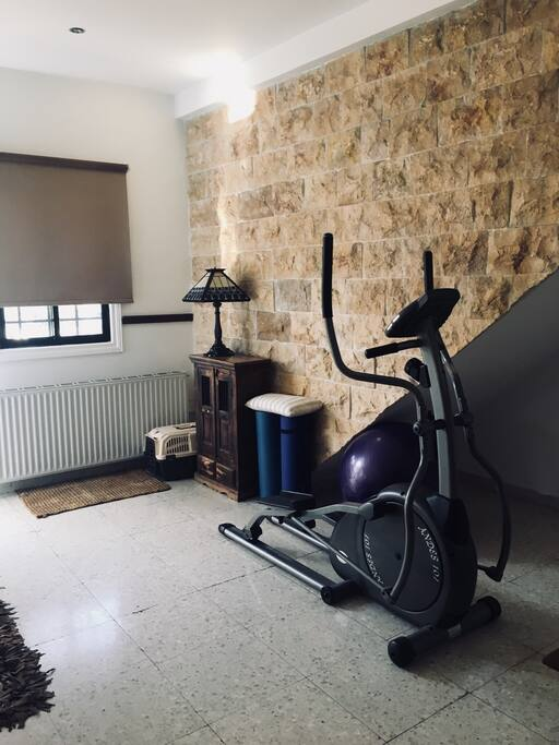 A gym area with a fabulous machine for your personal use !!! A Pilates ball with a few hand weights ❤️ to keep up your fitness on your holiday !!