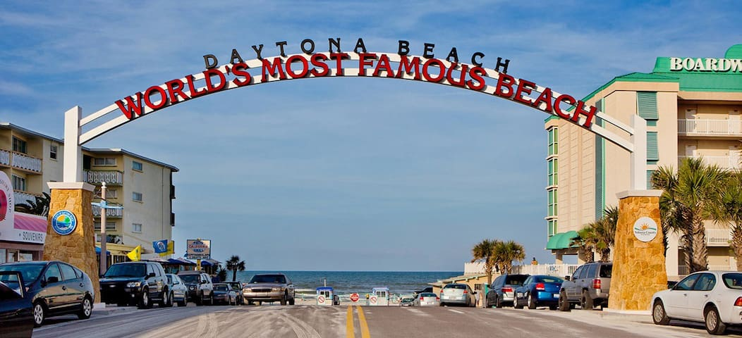 DAYTONA BEACH SIGN!