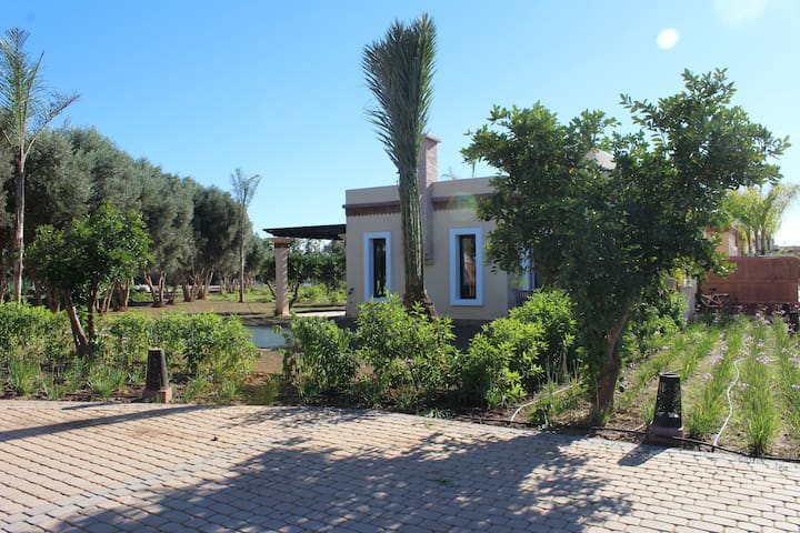 Villa Louisa avec piscine privative-l'orangeraie - Sidi Moussa Lhamri - Haus