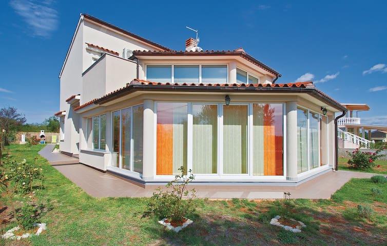 Ferienhaus Brcina I - Valtura - House