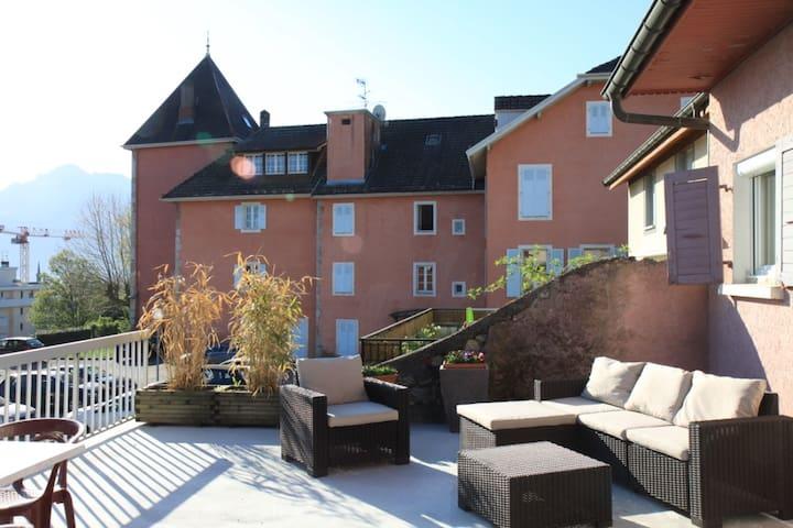 La ROCHE Centre-TERRASSE,  près Genève,  Annemasse