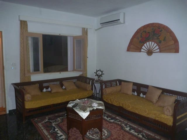 un foyer chaleureux  prés de la mer - Al-Maamoura - Huis