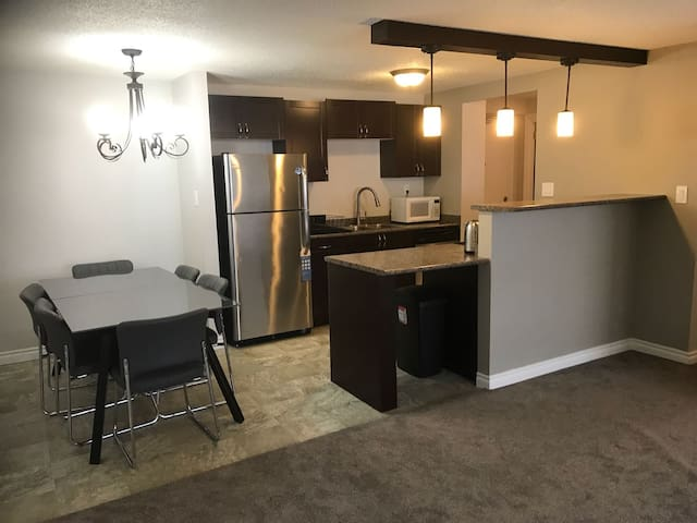 Spacious Condo in Perfect Eastside Location