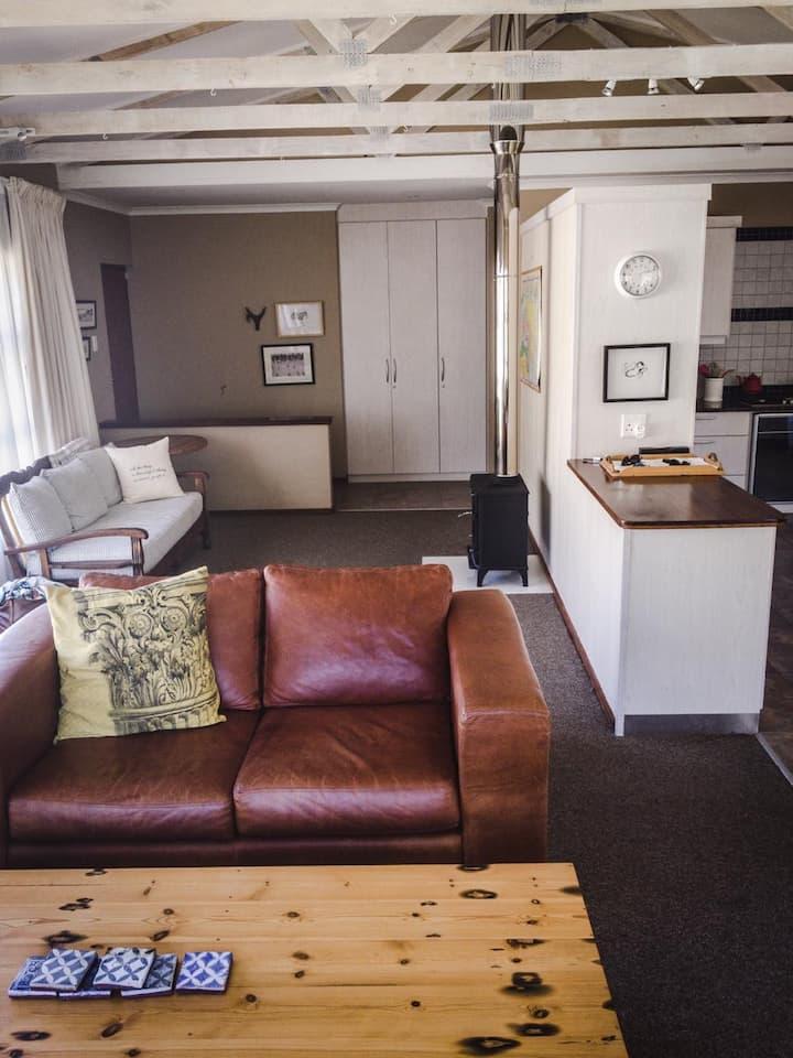 Lovely home in quiet area of Voelklip Huis Rustig