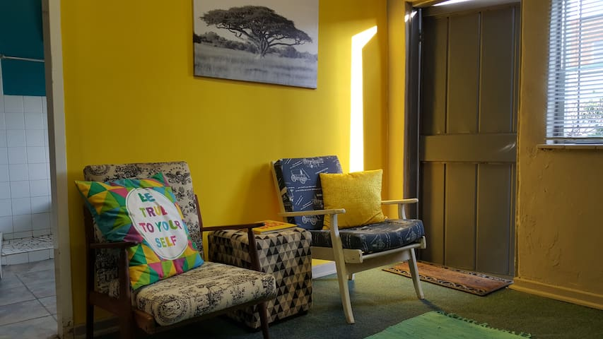 Arty,Modern private self-catering Parys apartment