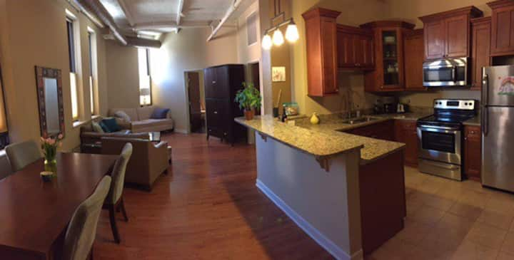 Historic Warehouse District 1 bd 1 ba 6+ mo lease