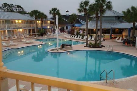 Jeannie at Paradise Lakes Resort - Lutz - Condomínio