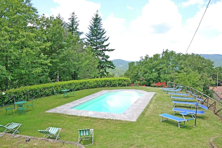 Spacious Holiday Home in Cortona with Private Swimming Pool