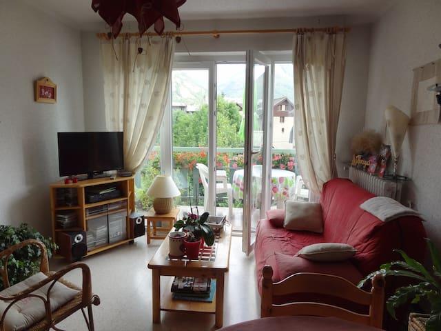 chambre privée dans  petite résidence calme - Briançon - Apartment