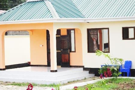 Mawingu-blu Apartments - Dar es Salaam - Gästehaus