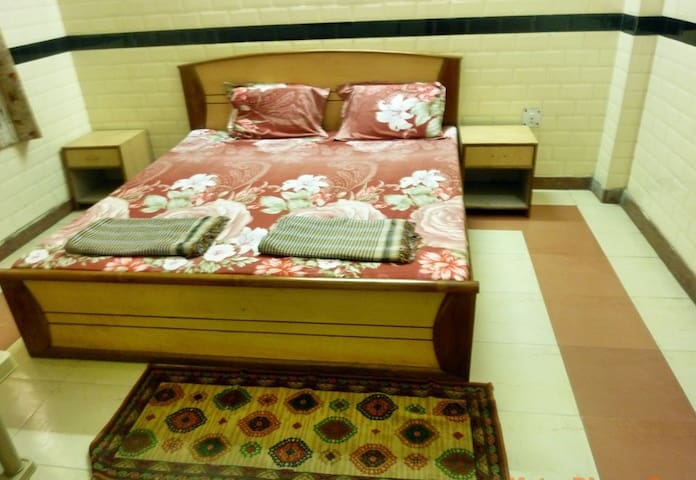 AC Room-Mavbh - Vrindavan - Pension