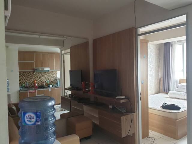 Homey two bedroom apartment in central jakarta