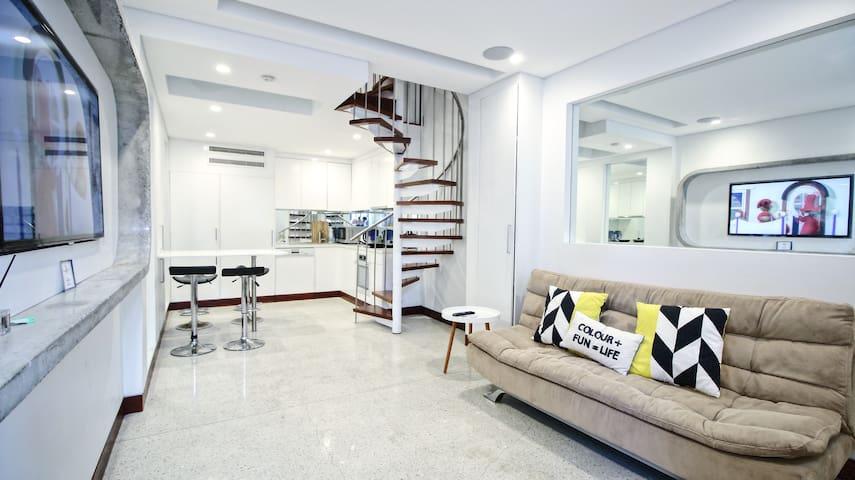 Luxury 3 Storey Terrace in CBD