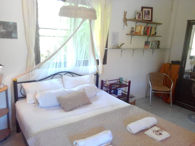 Double Bedroom at Firefly Lodge, beautiful view - Krabi - Casa