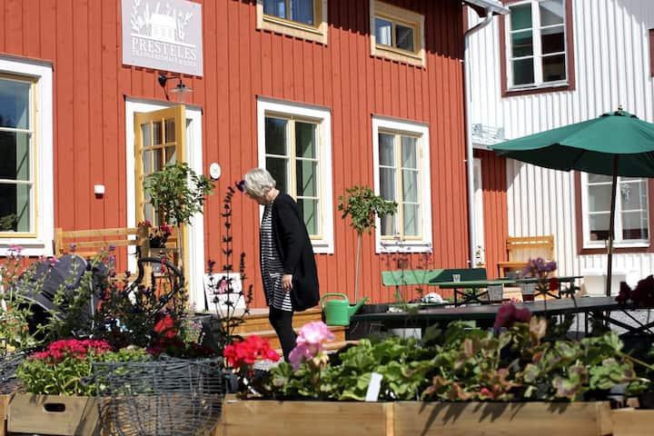 Presteles Gartencafe & Ferienwohnung Nordschweden