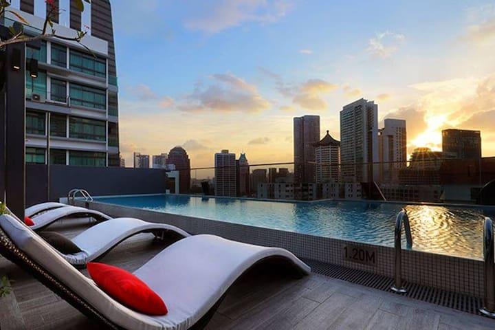 One Bedroom Deluxe · One Bedroom Apartment at Oakwood Studios Singapore