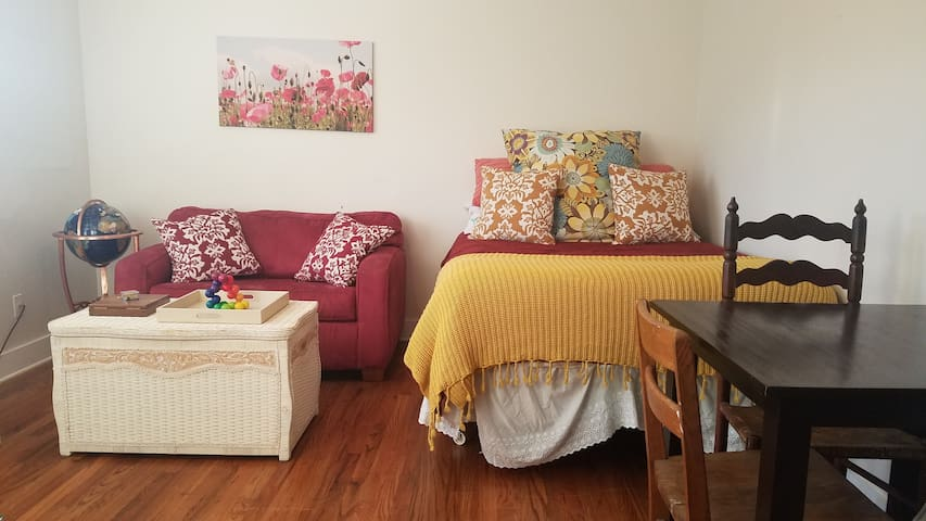 The Restful Edge - minutes from downtown AVL