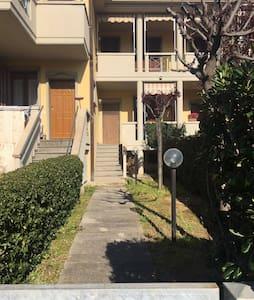 Casa in posizione strategica - Vada - Apartment