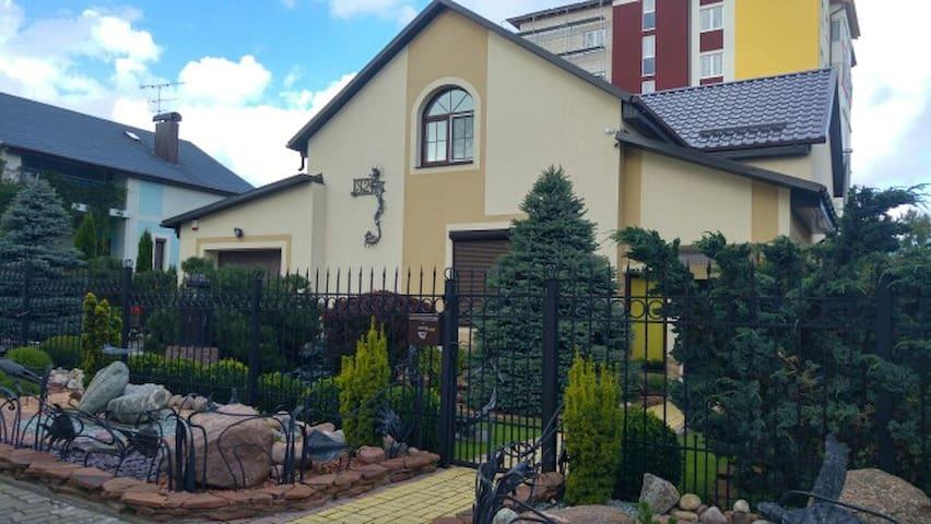 Комфортабельный дом у моря - Svetlogorsk - House