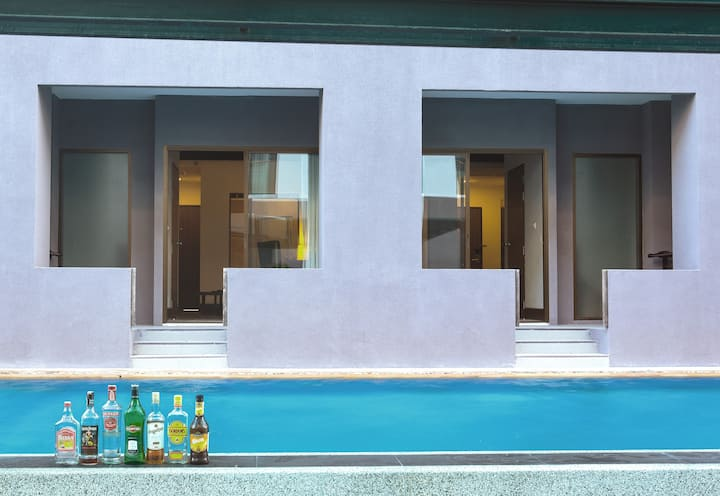 Duplex Family Pool Access with Breakfast, 2BR/2BR