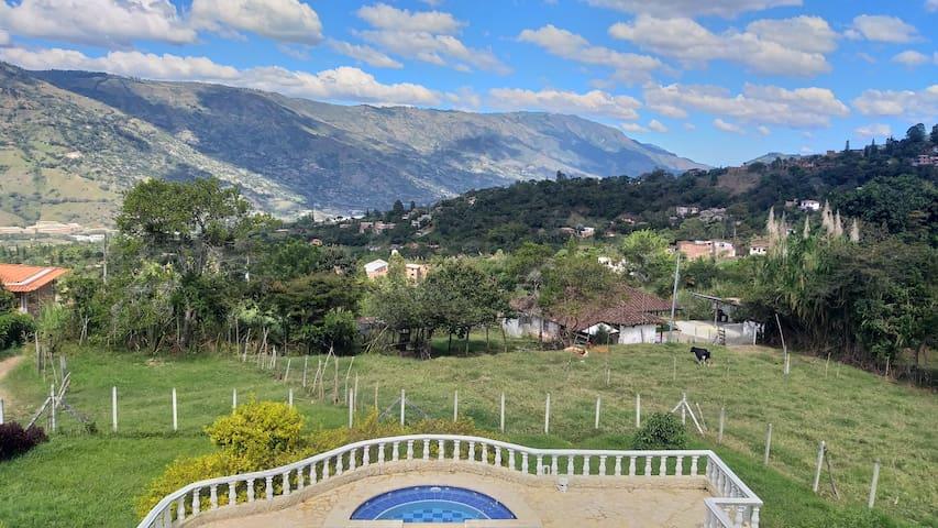 ♡ Medellin|Psicina🌹Jacuzzi♡18 Personas|Paisajes