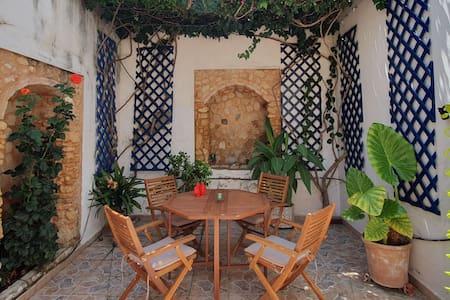 Casa con encanto en el casco antiguo de Barbate