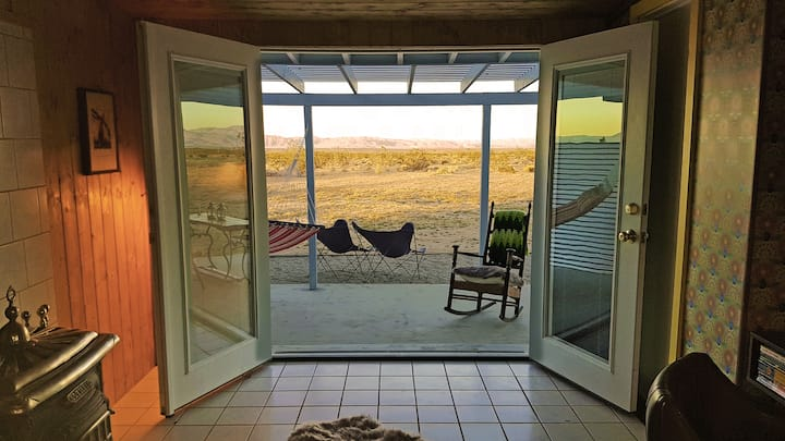 Helios House, Joshua Tree with 360° infinity views